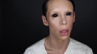 Cinsiyetsiz olmak için 110 ameliyat geçirdi