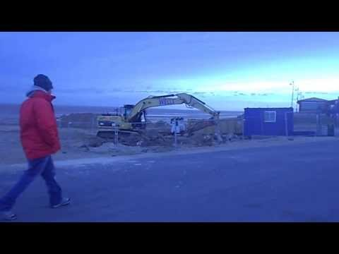 East Coast UK, Mablethorpe Prepares Sea Defences For Floods 5th December 2013