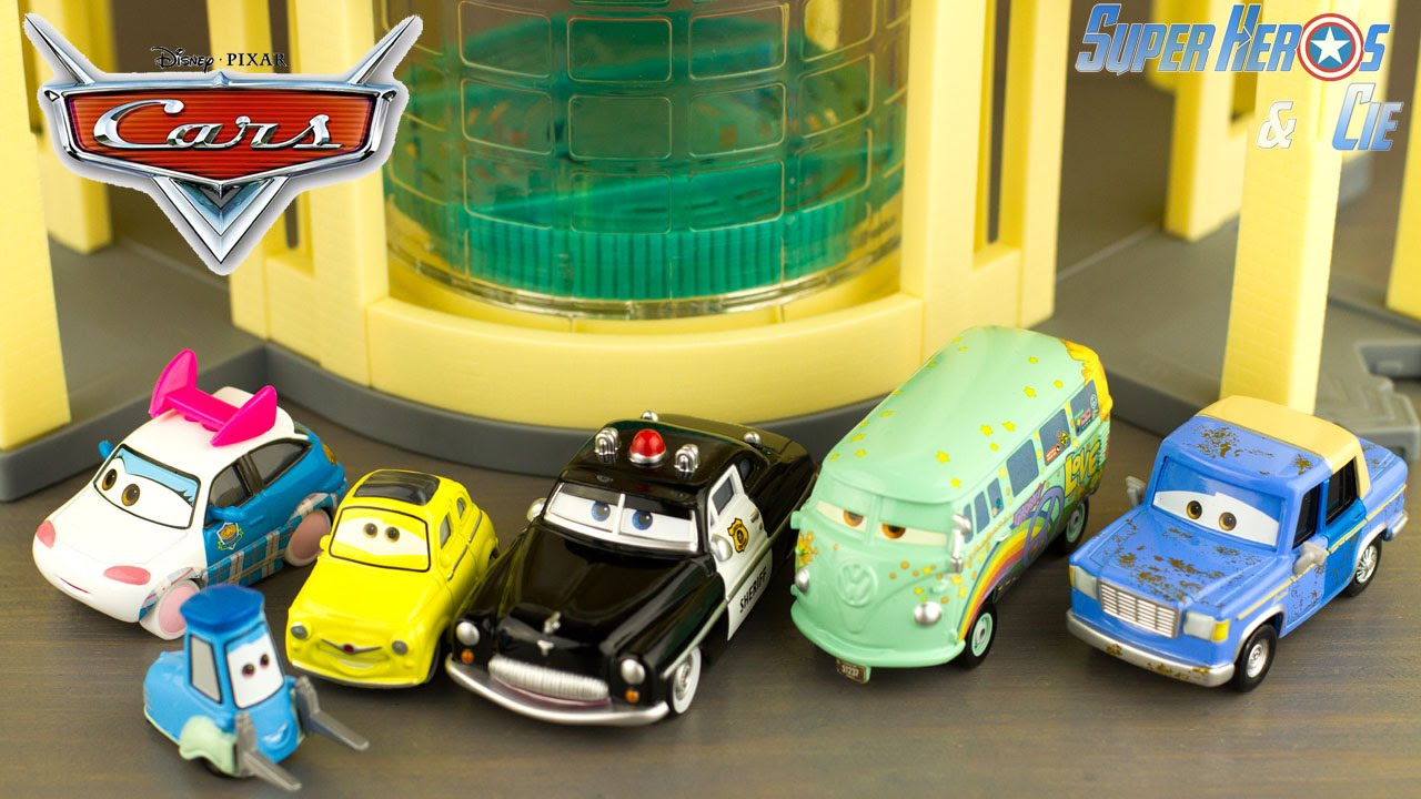 Disney cars 5 voitures diecast radiator springs jouet toy review rayo mcqueen les bagnoles youtube - Voitures cars disney ...
