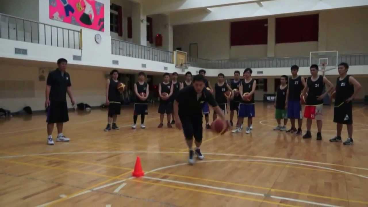 [DV大專籃球學院] 上籃基本訓練,『搖擺換手上籃』 - YouTube