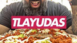 Comiendo Tlayudas Oaxaqueñas · Dave Hungry