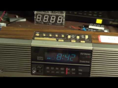 General Electric 7-4945A ((( FM STEREO ))) Clock Radio