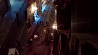 Palermo, la devastazione dei manifestanti anti-lockdown in corso Vittorio Emanuele