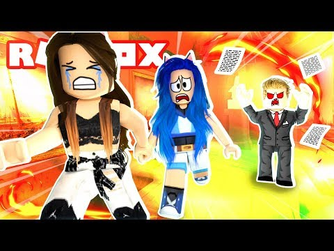 OUR BOSS IS MAD!! ESCAPE THE OFFICE IN ROBLOX!
