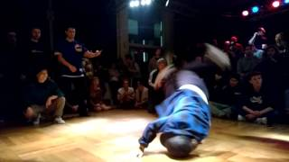 Bgirl Lerok & Bgirl Loca ( Germany/Switzerland)
