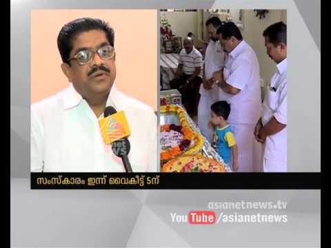 V M Sudheeran Pays Homage to T N Gopakumar