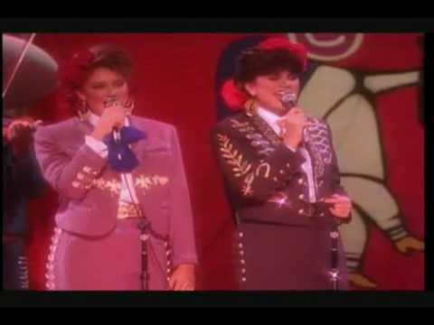 Linda Ronstadt Y Andale Mariachi Youtube