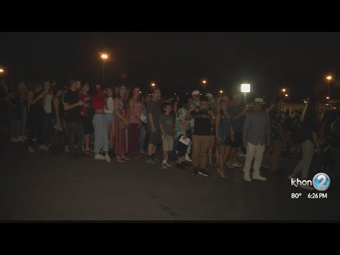 Fans line up for Bruno Mars' first concert at Aloha Stadium