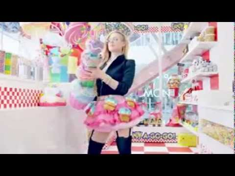 Avril Lavigne Hello Kitty  official Video