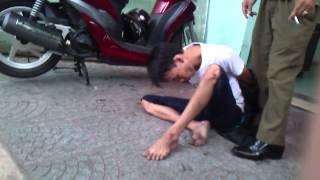 Video | Hiep Si Long bat cuop giat tai P.Ben Nghe 24 04 12 | Hiep Si Long bat cuop giat tai P.Ben Nghe 24 04 12