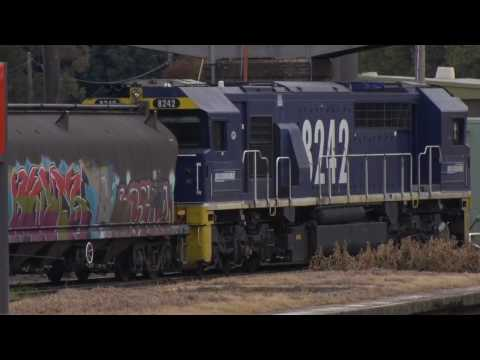 EMD 82 class switches grain cars at Cootamundra.