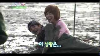 111119 SNSD Sunny VS F(x) Amber Mud Race @ Invincible Youth 2 Ep 2 cut - Stafaband