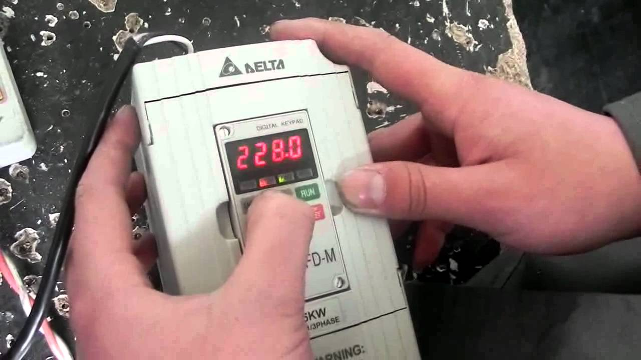 How To Set 1 5kw Delta Vfd M For Your Cnc Router China Cnc Router Youtube