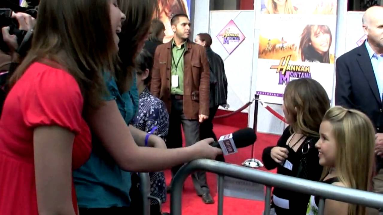 Noah Cyrus and Emily Grace Reaves - Hannah Montana Movie Premiere