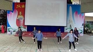 Thi văn nghệ chào mừng 20 11   Nhảy hiện đại    Lớp 10D2