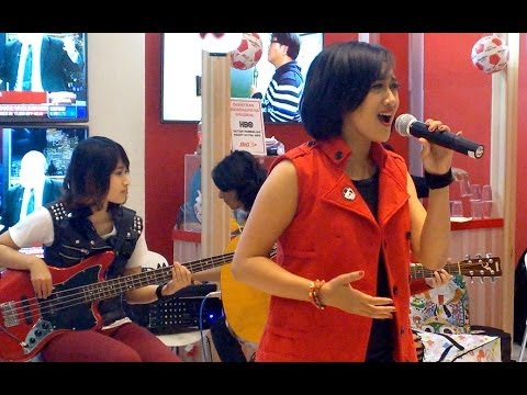 Promises - The Cranberries (Cover by Apel Band @Stand Big TV Jakarya Fair / PRJ 2014)