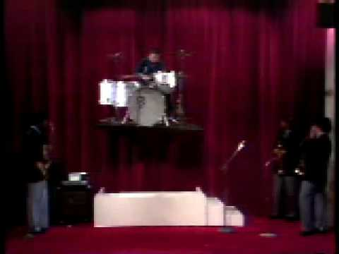 Buddy Rich's flying drumkit upside down drumming - YouTube