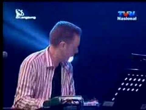 Dwiki Dharmawan with Adam Klipple Quartet Paris Barantai
