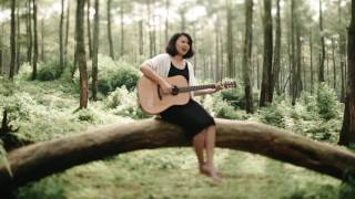 Video Begitu Indah - Gaby (Acoustic Version) download MP3, 3GP, MP4, WEBM, AVI, FLV Juli 2018