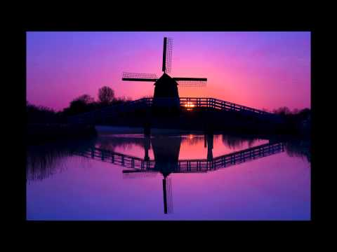 Using a Magenta FLW filter to capture this Windmill in Holland
