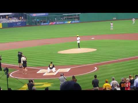 Wiz Khalifa Throws First Pitch At Pittsburgh Pirates Game - Wiz khalifa, Throws, Pittsburgh, Pirates Game, News, first pitch, At - gists