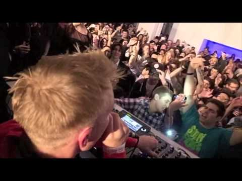 A  HARLEM SHAKE w DIPLO & SKRILLEX AT A GRAMMY PARTY  AT&T PENTHOUSE LA - 28
