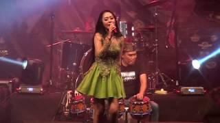 Vita Alvia-Konco Mesra (Live Terbaru)
