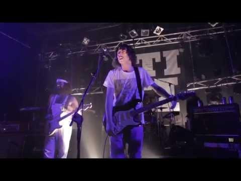 STICKY FINGERS - Liquorlip Loaded Gun (LIVE At The Metro, Sydney)