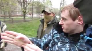 Следственный эксперимент: задержанный украинский диверсант рассказывает об убийстве офицера МВД ЛНР