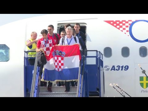 Seleção croata é recebida com festa