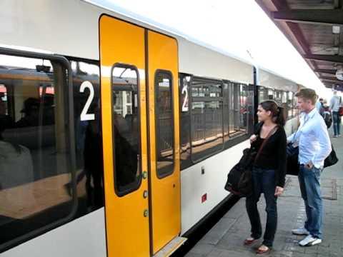 MVG Umfrage zum Valentinstag: Flirten Sie in U-Bahn, Bus und Tram? von YouTube · Dauer:  1 Minuten 33 Sekunden