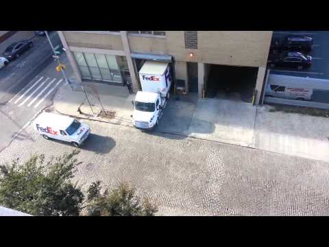 Fedex truck amazing reverse parking
