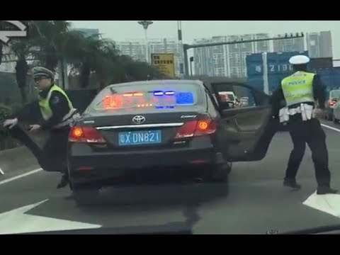 【Super rare】Unmarked police car pullover truck in Guangdong, China