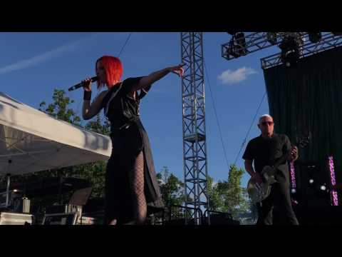 Garbage - No Horses (live in Lewiston, NY)