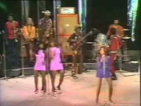 Ike & Tina Turner - River Deep Mountain High 1971 (including intro)
