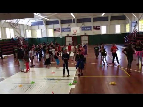 Waimea Elementary School 5th Graders dancing