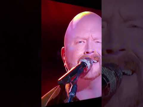 red Marlow and Blake Shelton performing live on the voice