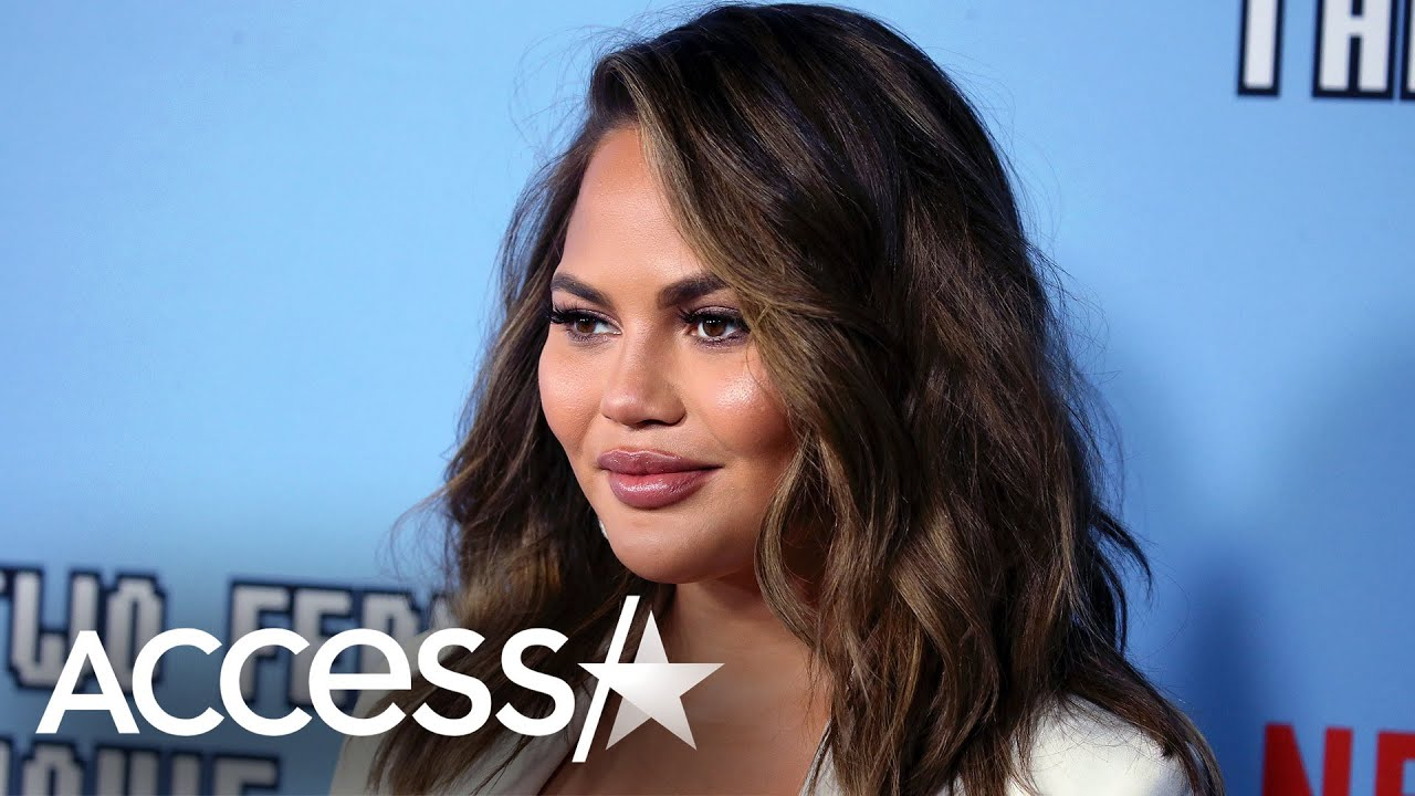 Chrissy Teigen and John Legend Share Nude Photo From Bed