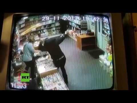 Download Youtube: Un nervioso ladrón se conforma con robar pasta de dientes