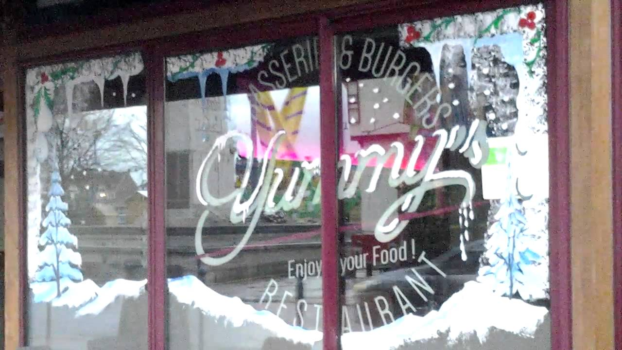 Dessin sur vitrines en peinture pour no l paris youtube - Decoration de noel pour vitrine magasin ...