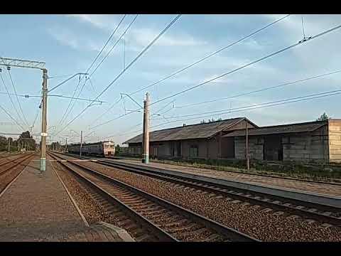 Электропоезд ЭД2Т-1005 сообщением #6209 Славянск-Изюм + вагон от ЭР2Т-7209 прибывает на станцию Изюм