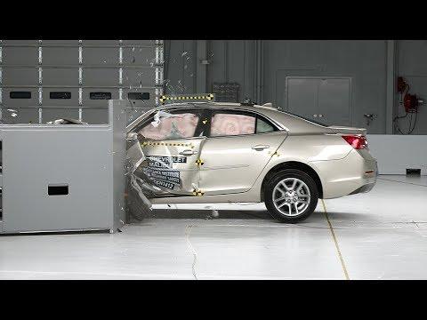 2014 Chevrolet Malibu driver-side small overlap IIHS crash test