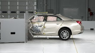 2014 Chevrolet Malibu small overlap IIHS crash test