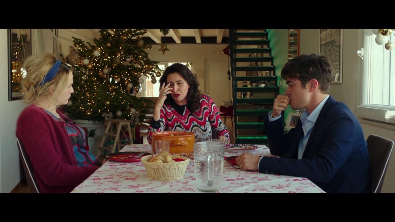 Cena Di Natale Film.La Cena Di Natale Facciamo Una Vigilia Alla Barese Youtube