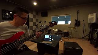 spiral life AIR の車谷浩司さんが歌っています。 ベースは湯川トーベンさんが弾いていますね   イントロとサビのが微妙によくわかりませんでし...