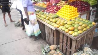 FRUIT MARKET IN NEGOMBO, SRI LANKA. www.lifeontheroad.blog.pl