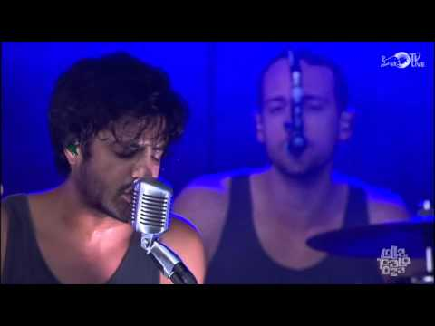 Young The Giant - Waves (Live @ Lollapalooza 2014)