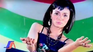 Gambar cover Elisa  - Hapuslah Namaku  (Official Music Video)
