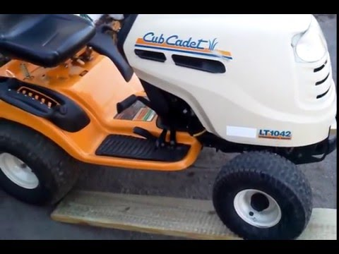 Greasing the cub Cadet - YouTube