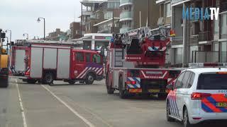 Dakbedekking laat los van woningen Boulevard Katwijk aan Zee